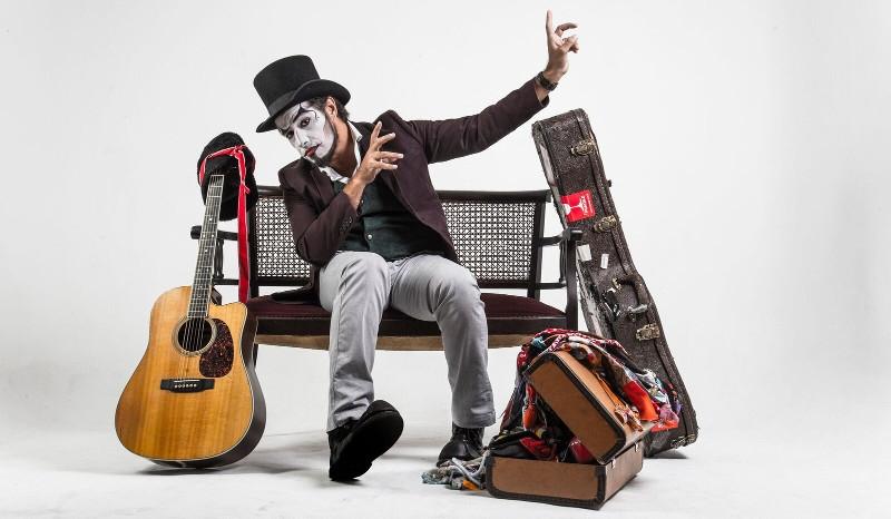 Quartas Musicais: Fernando Anitelli apresenta O Teatro Mágico