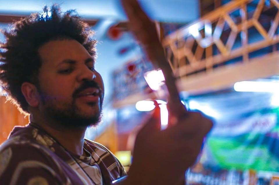 João Fernandes apresenta show composto por sambas autorais